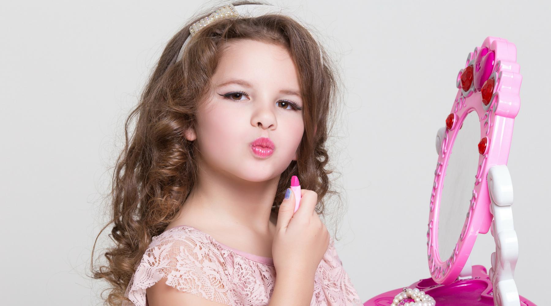 Endocrine Disruptors in Makeup