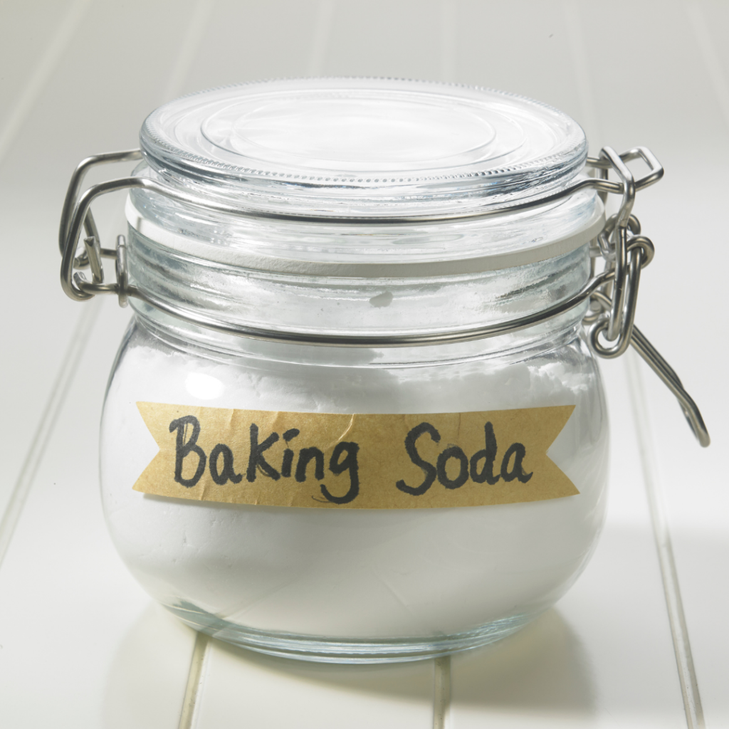 baking soda destroys odor